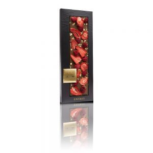 ChocoMe 41% milk chocolate, Freeze-dried strawberry slices, Freeze-dried raspberry whole, Genuine 23 karat gold crumbs